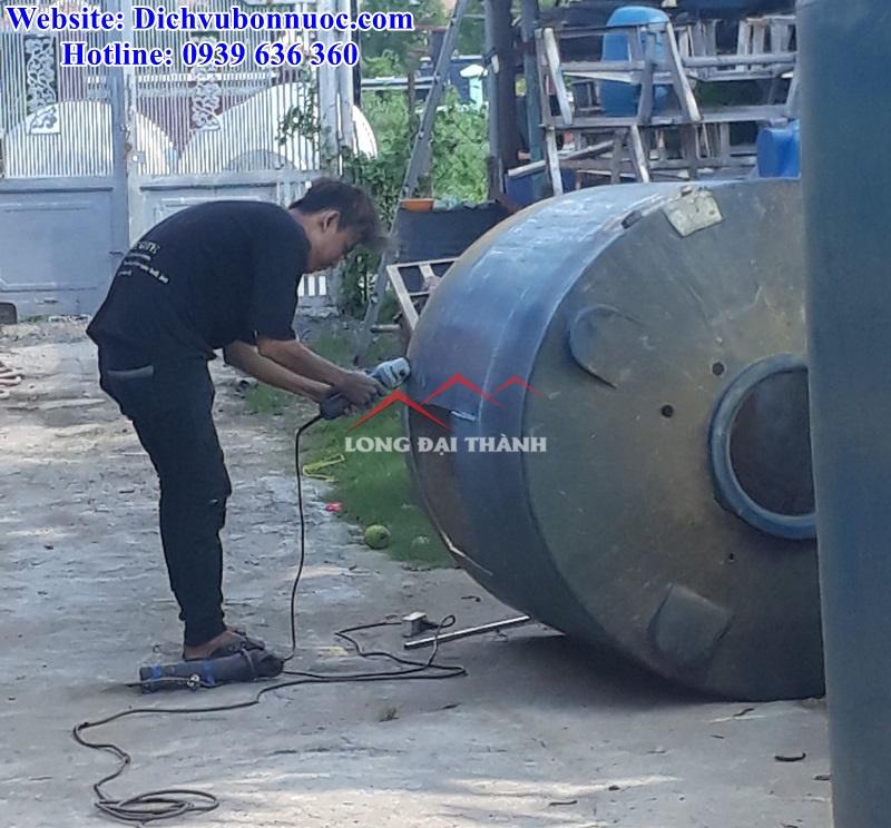 Ảnh thực tế: Hàn sửa bồn nước tại nhà khách hàng