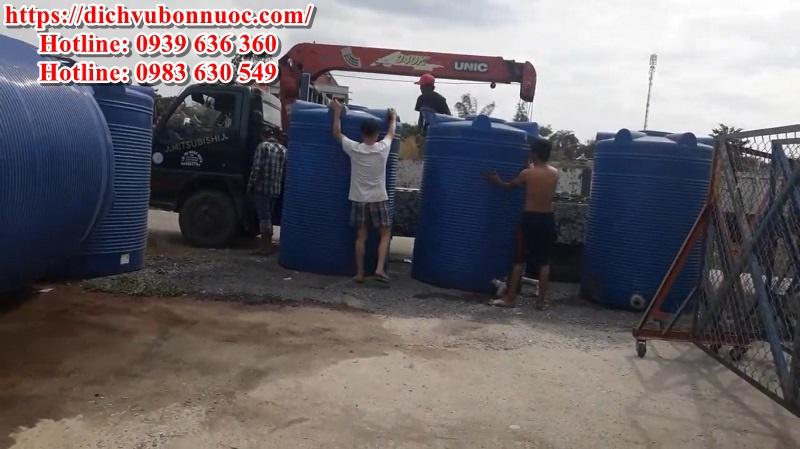 Bồn nước nhựa 4000 lít đứng có mặt tại kho Củ Chi